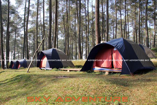 camping ground di cikole lembang bandung jawa barat indonesia by Sky Adventure Indonesia