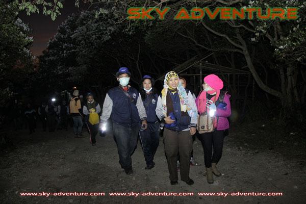 hikking-sunrise hunting papandayan crater garut (15)