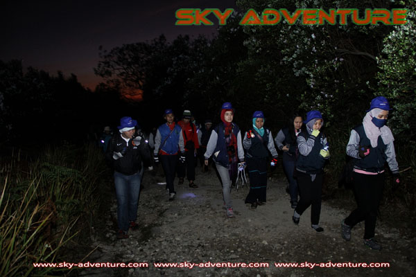 hikking-sunrise hunting papandayan crater garut (18)