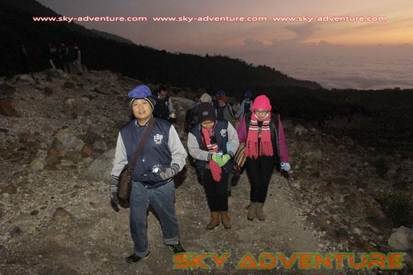 hikking-sunrise hunting papandayan crater garut (26)