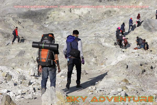 hikking-sunrise hunting papandayan crater garut (44)
