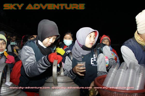 hikking-sunrise hunting papandayan crater garut (9)