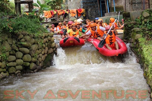 kegiatan outing PT Catur Bangun Mandiri di ciater bersama Sky Adventure Indonesia (5)