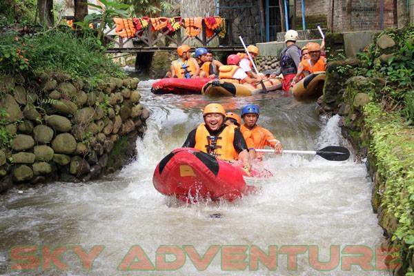 kegiatan outing PT Catur Bangun Mandiri di ciater bersama Sky Adventure Indonesia (8)