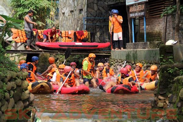 kegiatan outing PT Catur Bangun Mandiri di ciater bersama Sky Adventure Indonesia