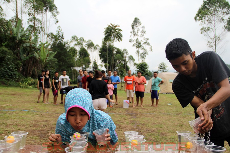 Outbound -Rafting -Fun Game -Hikking -Tea Walk -Menginap di tepi danau Situ Cileunca-BCA Finance Tasikmalaya Jawa Barat, Indonesia (17)