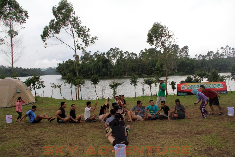 Outbound -Rafting -Fun Game -Hikking -Tea Walk -Menginap di tepi danau Situ Cileunca-BCA Finance Tasikmalaya Jawa Barat, Indonesia (20)