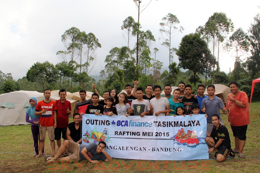 Outbound -Rafting -Fun Game -Hikking -Tea Walk -Menginap di tepi danau Situ Cileunca-BCA Finance Tasikmalaya Jawa Barat, Indonesia (27)