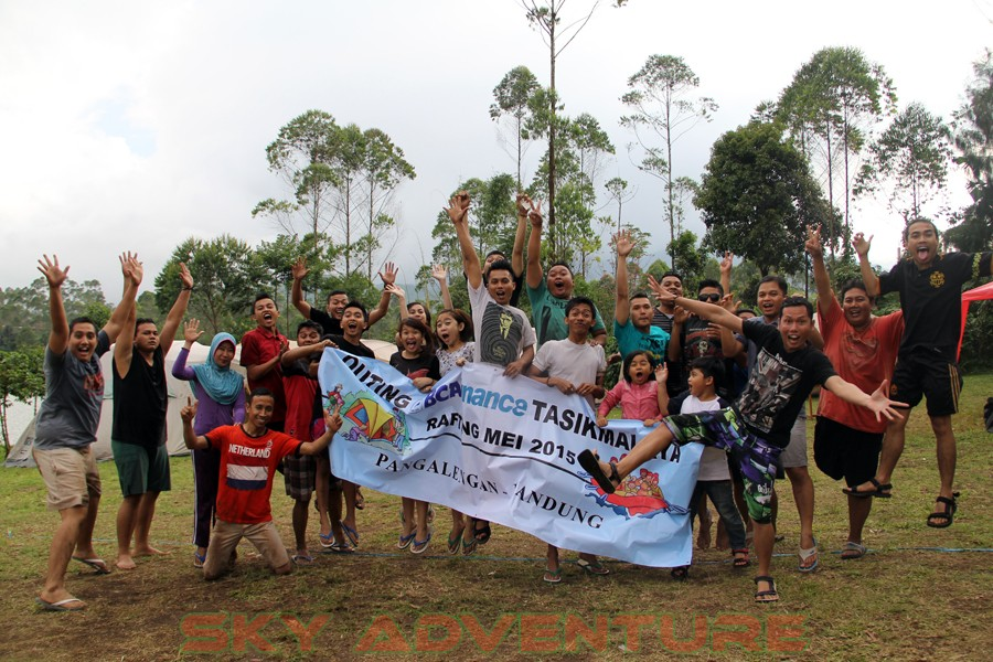 Outbound -Rafting -Fun Game -Hikking -Tea Walk -Menginap di tepi danau Situ Cileunca-BCA Finance Tasikmalaya Jawa Barat, Indonesia (28)