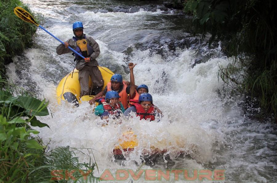 Wisata Offroad di Pangalengan jawa barat, Outbound di Pangalengan, Outbound Pangalengan, Rafting Pangalengan, Camping Pangalengan, Outbound -Rafting -Fun Game -Hikking -Tea Walk -Menginap di tepi danau Situ Cileunca-BCA Finance Tasikmalaya Jawa Barat, Indonesia (35)
