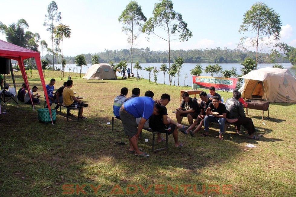 Outbound -Rafting -Fun Game -Hikking -Tea Walk -Menginap di tepi danau Situ Cileunca-BCA Finance Tasikmalaya Jawa Barat, Indonesia (66)