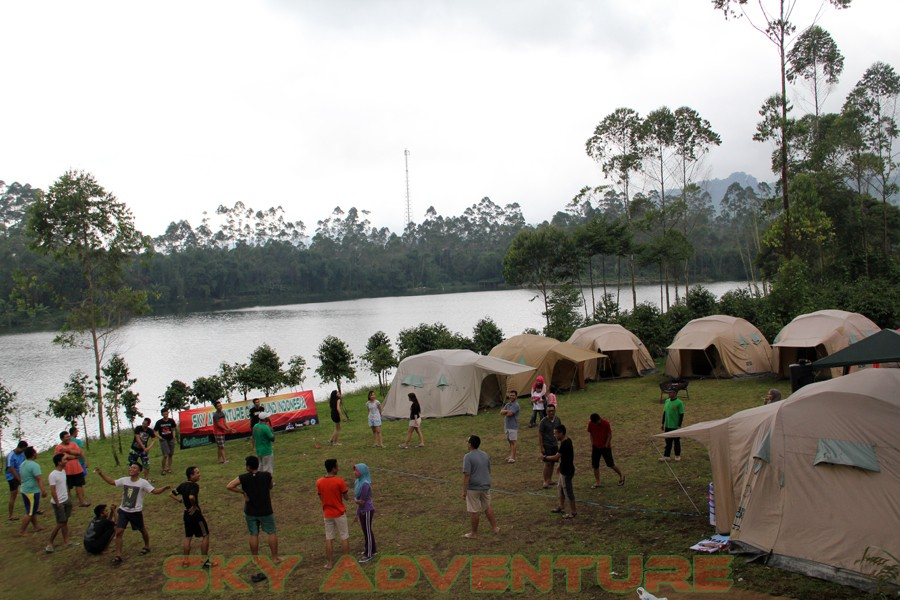 Outbound Pangalengan-Rafting -Fun Game -Hikking -Tea Walk -Menginap di tepi danau Situ Cileunca-BCA Finance Tasikmalaya Jawa Barat, Indonesia (8)